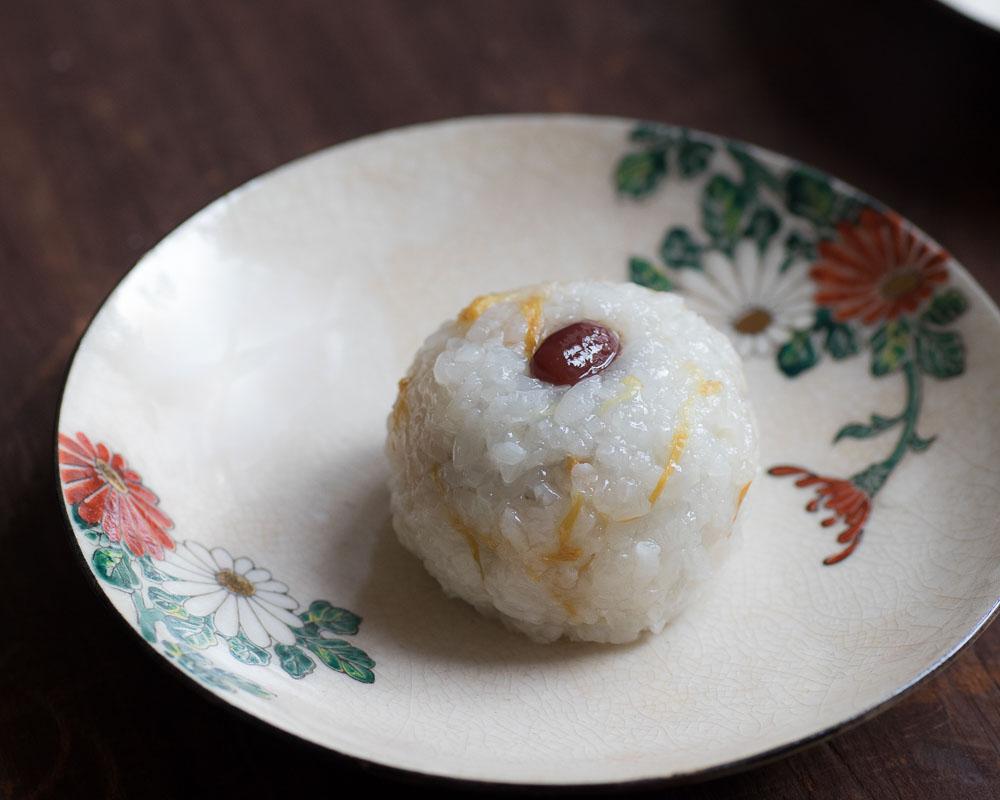 azukiya, pâtisserie japonaise situé à Colmar, en Alsace, propose une pâtisserie traditionnelle qui évoque l'automne, Chrysanthème à la dômyoji